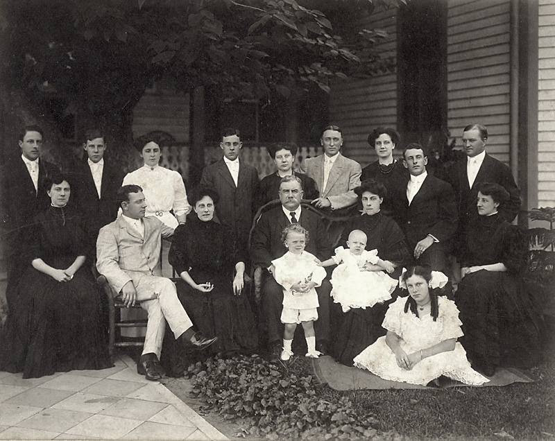 The F.C. Brent family, 1907, Pensacola, Florida