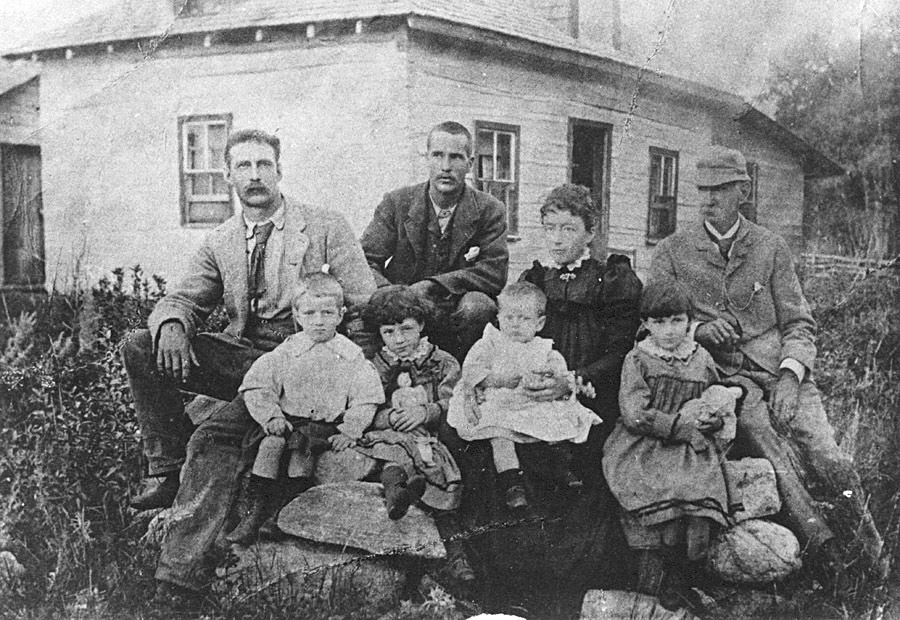 Malcolm family, Birtle, 1899
